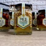 Акациевый мёд с ядрышками кедрового ореха (250 мл)